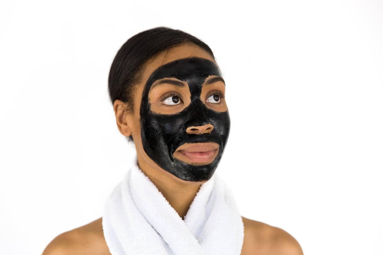Masque visage charbon argile